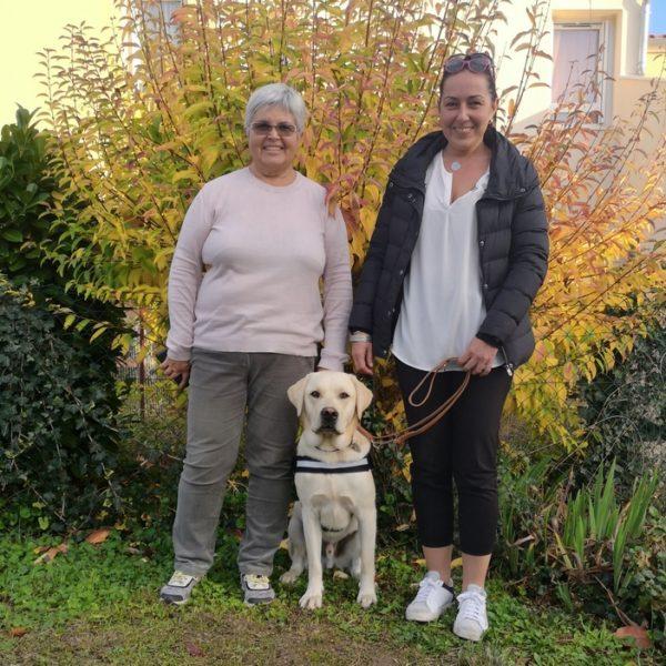 Mme Berge Plaisance avec Nami accompagné par la famille d'accueil