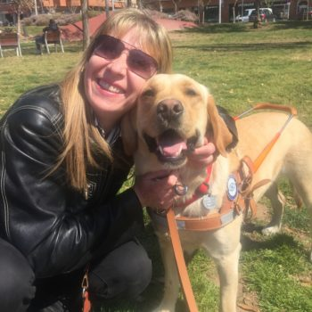 Madame Matador Rollano et son chien guide Noti