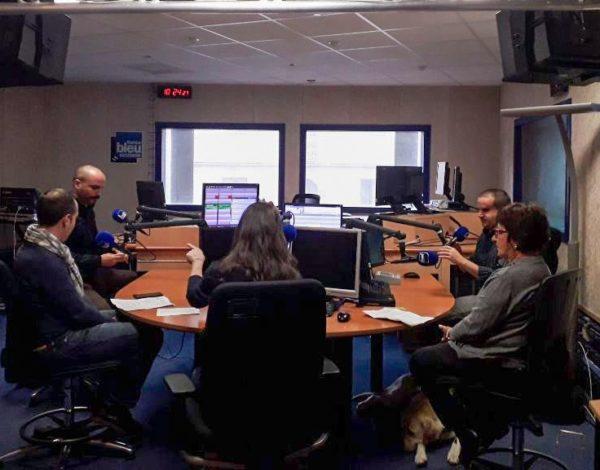Christian, Benoit, Monique et Guillaume sur le plateau d'enregistrement de l'émission radio