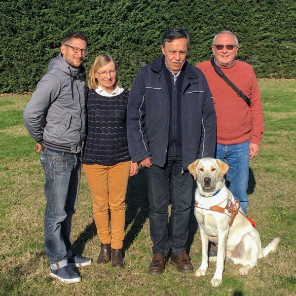 Mr Compan et Némo entourés par la famille d'accueil