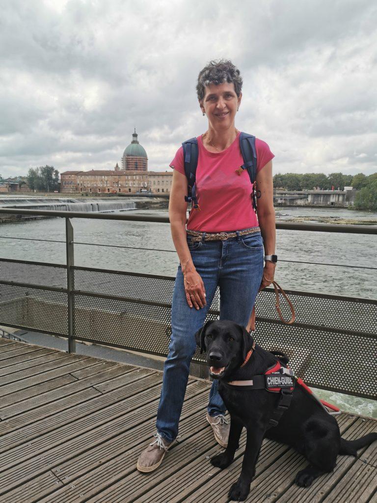 Pascale et Pyrène prennent la pose au bord de la Garonne